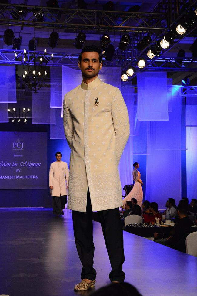 Manish Malhotra mens indian wedding short kurta