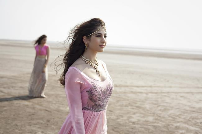 7a indian pink bridal shoot