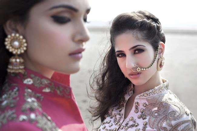 8a indian bridal beach shoot jewelry