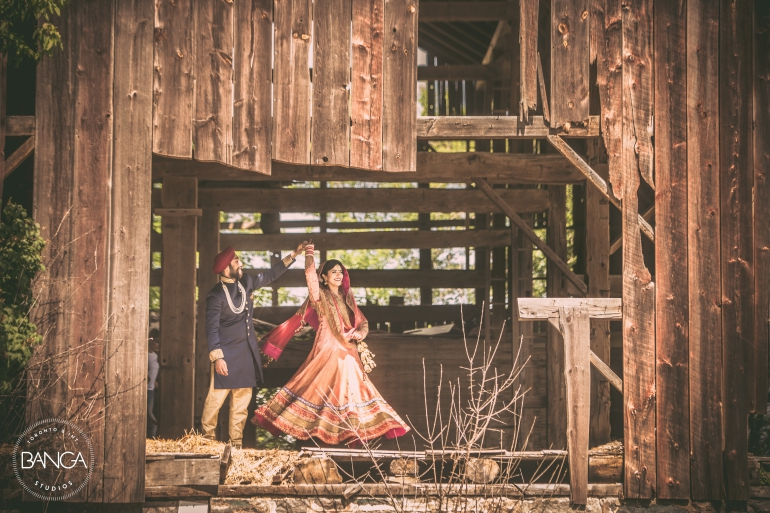 outdoor wedding photoshoot