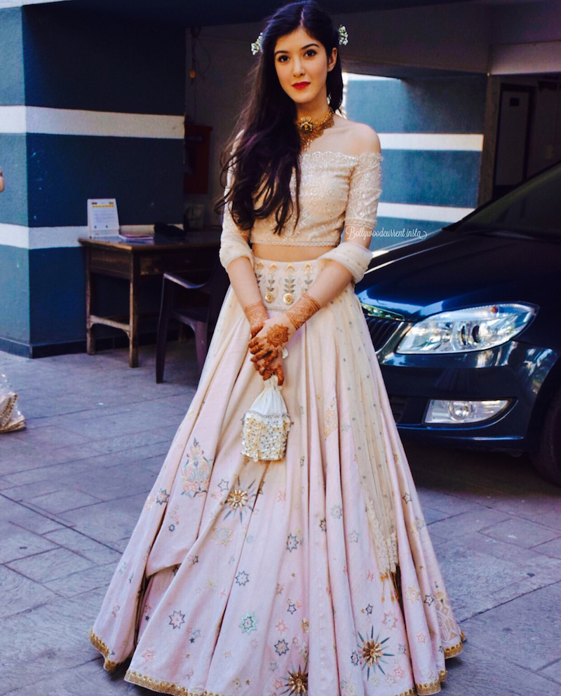 Star Motif Blush & Beige Lehenga with Off-Shoulder Blouse- Kapoor-sisters-Shanaya-Sonam-Kapoor-Wedding-Guest-Style-Best-Dressed-Celebs