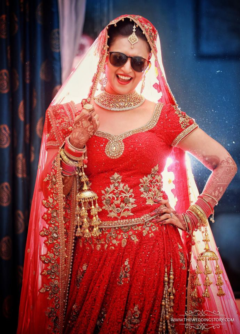 20 Solo Poses For Indian Brides
