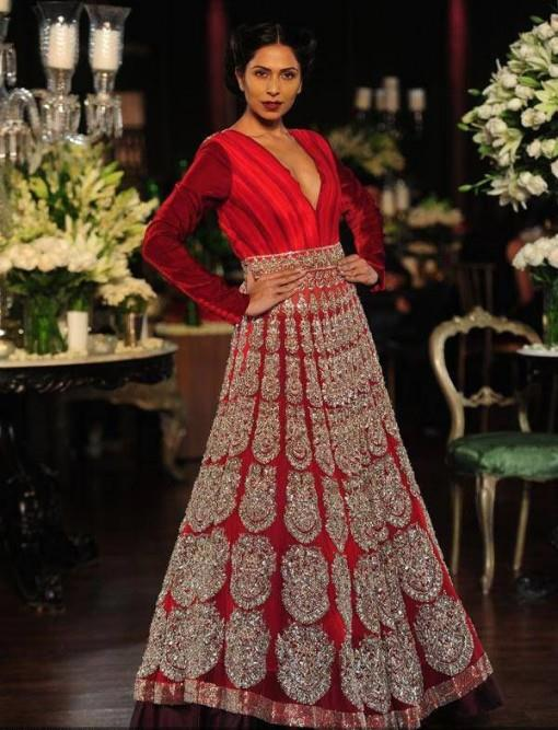 dcw-13-manish-malhotra-red-silver-anarkali-e1375910939255