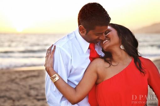 09-romantic-malibu-beach-engagement-esession-photos-e1375154169188