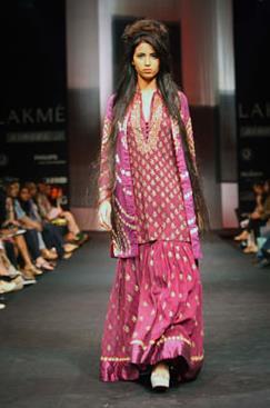 Lakmé Fashion Week Winter 2010: Krishna Mehta (1)