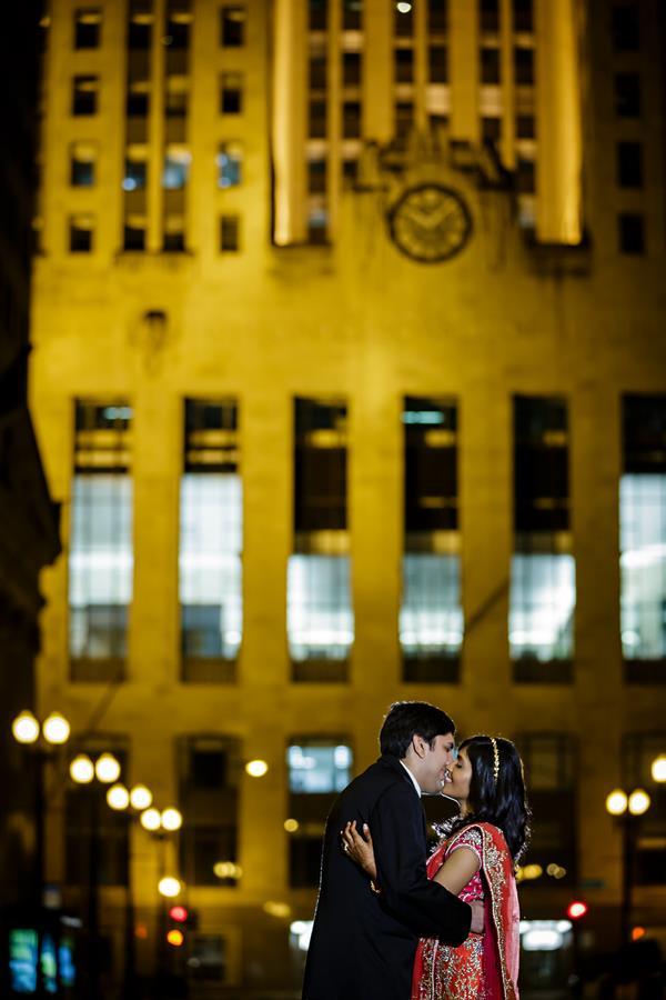 39aindian-wedding-outdoor-portrait