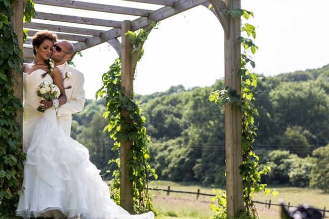 11a-indian-wedding-outdoor-portrait-trellis